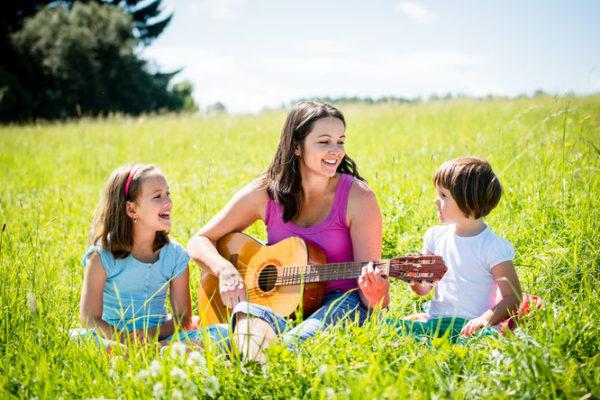 歌は言語習得に役立つのか?