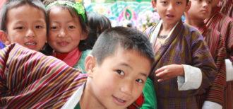 イメージ画像 英語を話すブータンの人々 〜グローバル化と伝統文化の両立〜