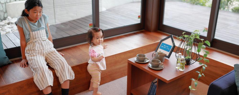 イメージ|映像を見て学習する乳幼児