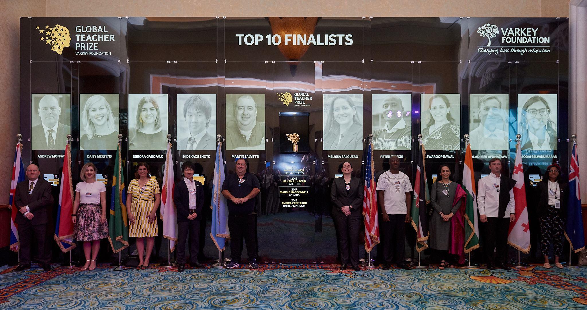 Global Teacher Prize 2019のファイナリスト10名の写真