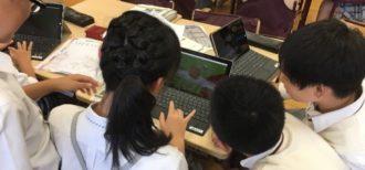 マインクラフトで英語を学ぶ子ども達