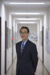 浜野先生のお写真。