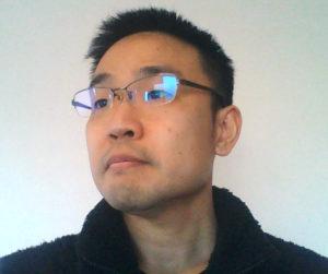 横山教授のお写真