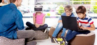 VRを使った第二言語学習のイメージ