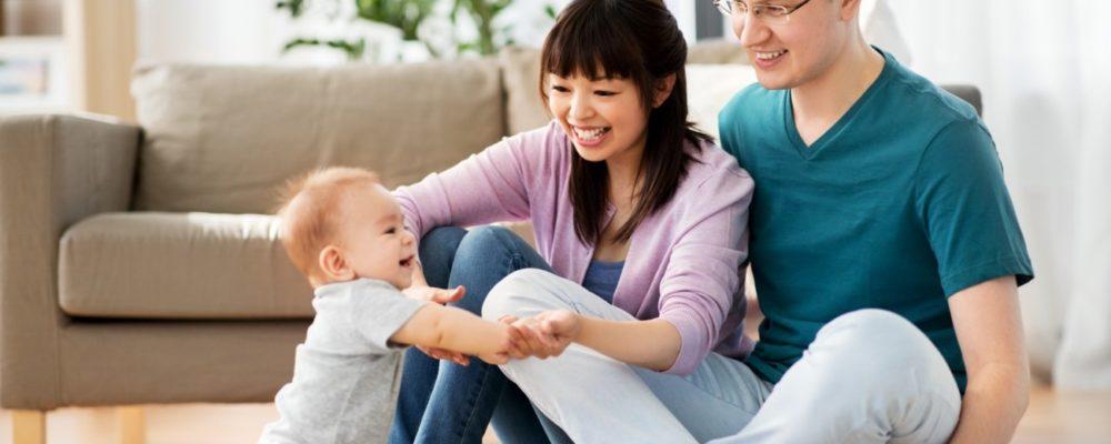 日本語と英語を学習する子供のイメージ